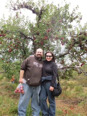 Kari and RJ at Graves' Mountain Apple Harvest Festival